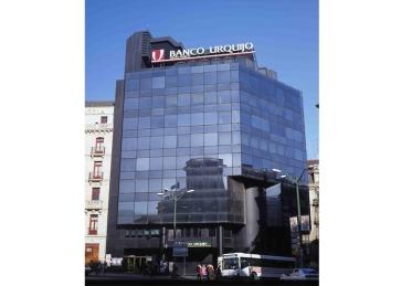 Sede de Bankunión, después Banco Urquijo y actualmente CaixaBank.