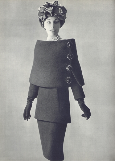 Traje (1956). Fotografía de Philippe Pottier para L'Officiel.