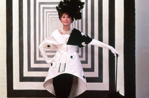 """Retrato de Audrey Hepburn, 1963, """"My Fair Lady""""."""