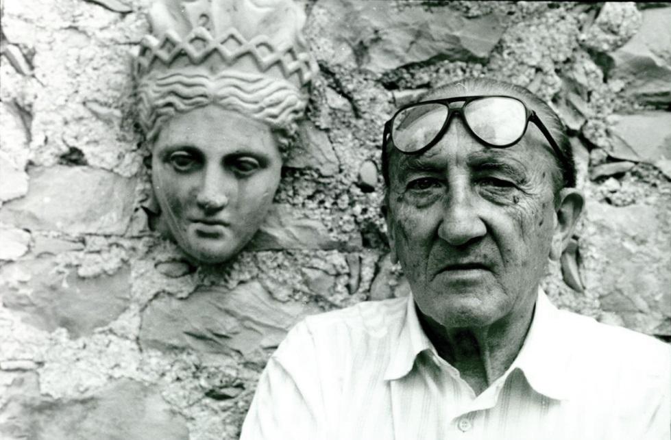 Retrato-de-Francisco-Javier-Sáenz-de-Oíza-en-su-casa-de-Mallorca.