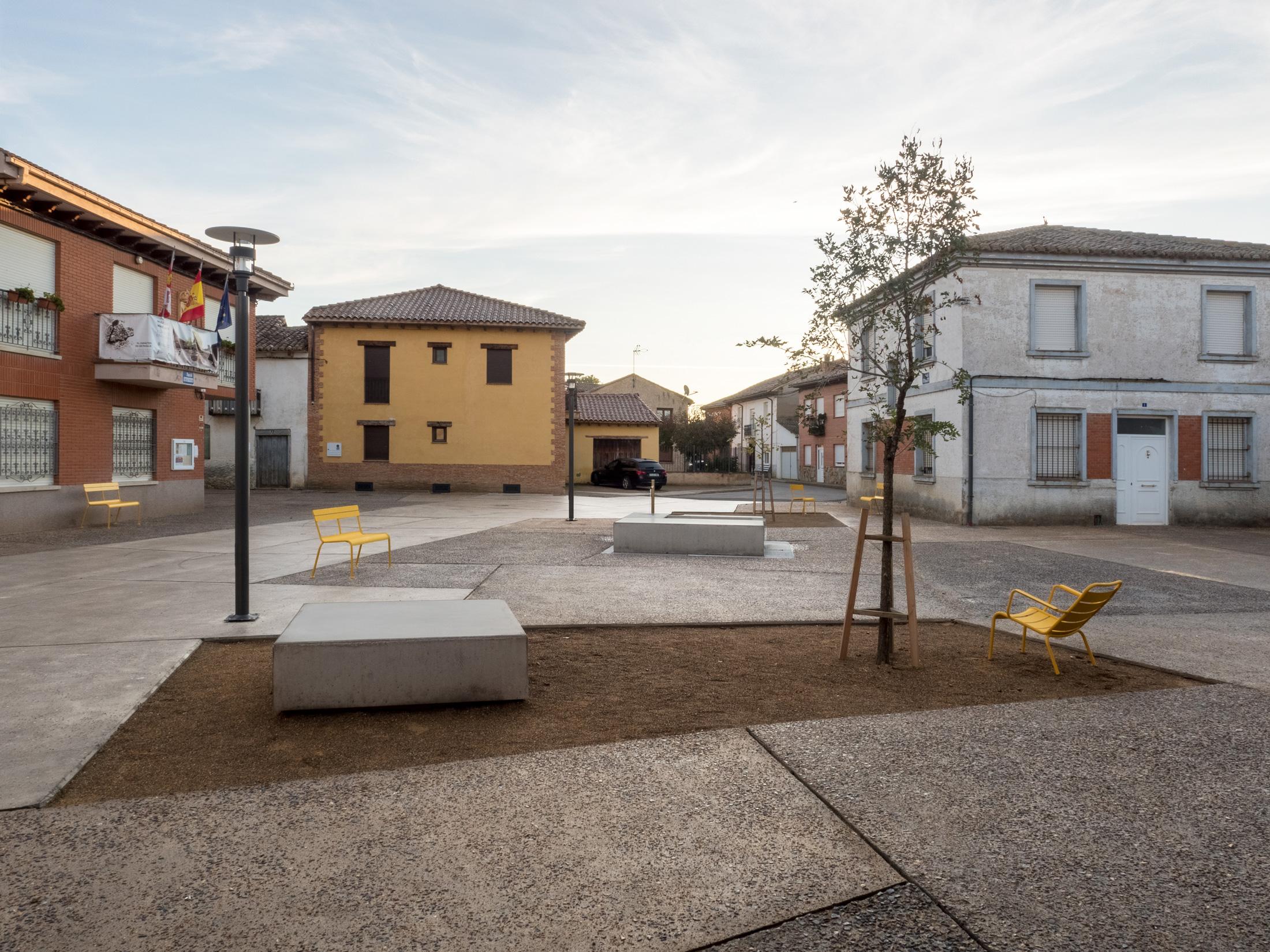 03-Plaza-Mansilla